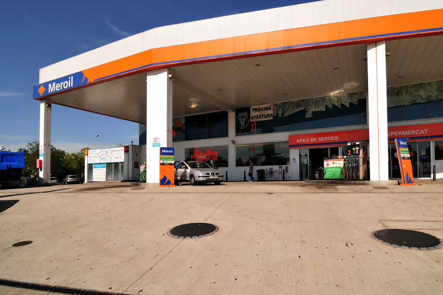 GASOLINERA 'MEROIL' CARBURANTS POLIZUR